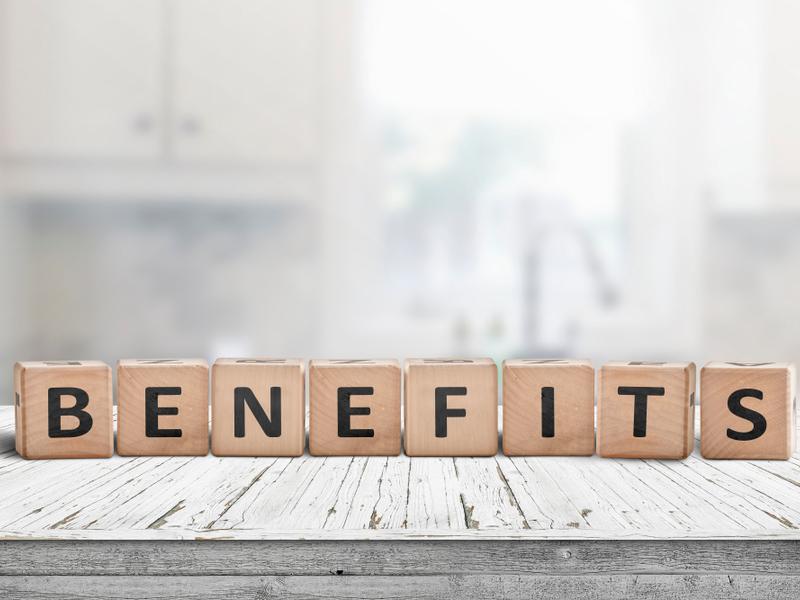 BENEFITSの文字