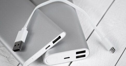 コンセント付きモバイルバッテリーおすすめ12選!旅行や出張の必需品【充電器】