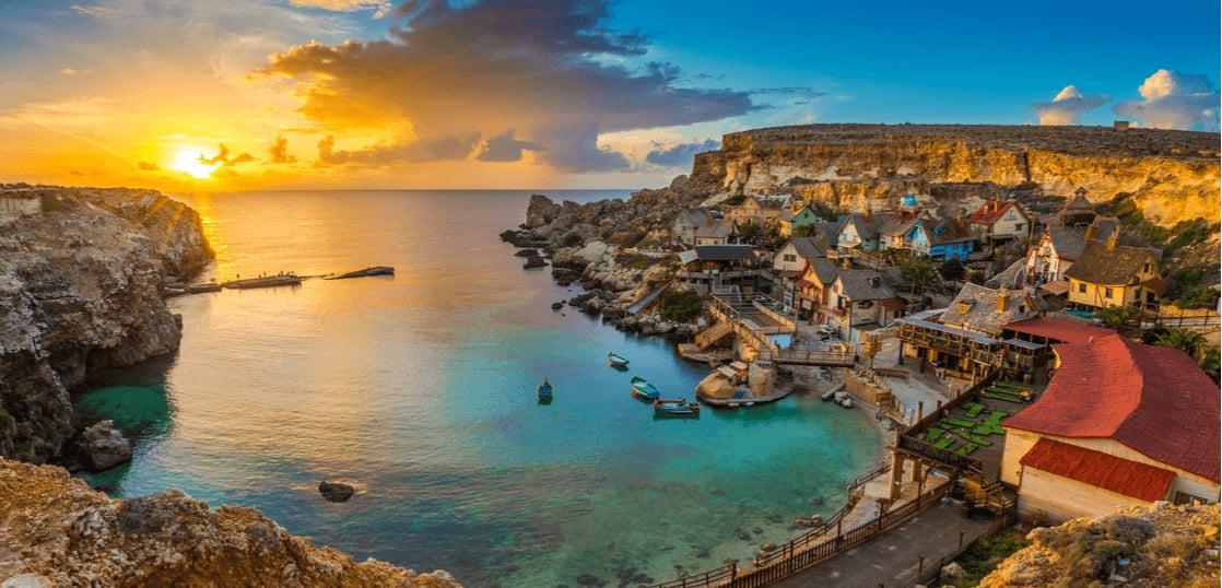マルタってどんな国?気候や時差、服装や留学事情について
