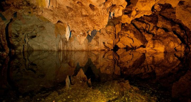 グリーングロット洞窟